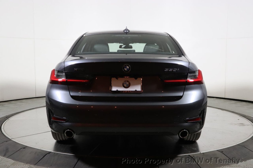 Pre-Owned 2020 BMW 3 Series 330i xDrive